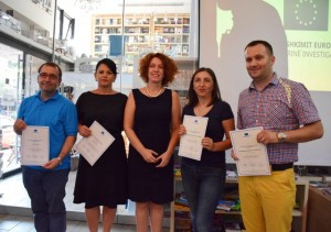 The winning journalists with the head of the EU Delegation to Tirana. (Photo: Media Institute)