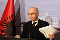 Finance minister dismissed in first gov't reshuffle within Socialist Party