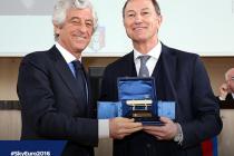 De Biasi wins Italian Special Golden Bench award