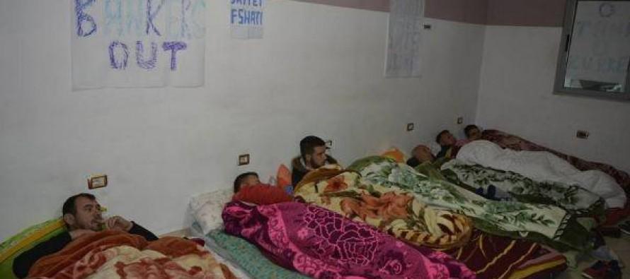 Bankers protesters restart hunger strike