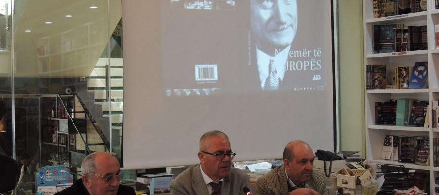 AIIS promotes Schuman's sole book in Albanian