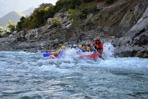 Rafting along the Vjosa. Photo: Albanian Rafting Federation
