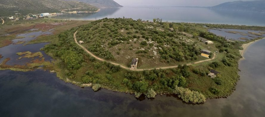 Swiss archeologists help chart ancient Oricum port unknowns