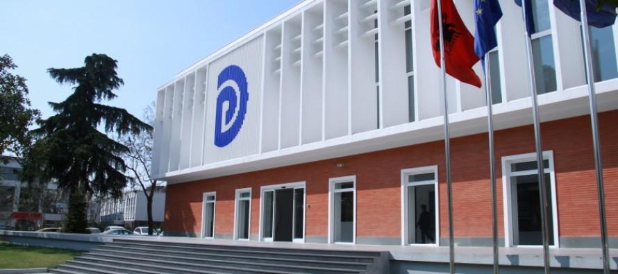 Democrats head toward contested leadership elections