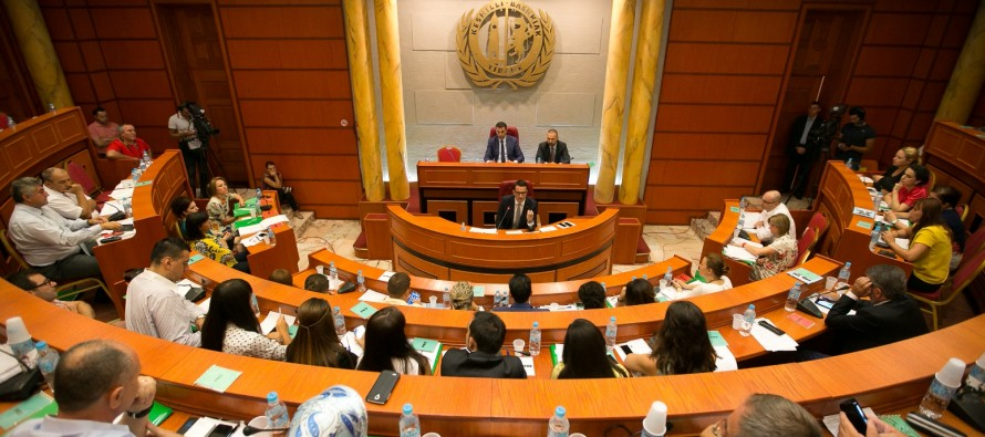 Tirana council approves increase in tap water price