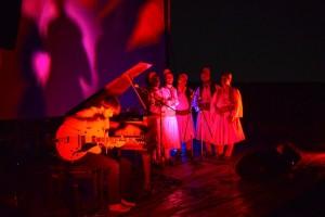 Robert Bisha & Albanian Iso-Polyphonic Choir at Kalaja stage Photo by: Tughan Anıt