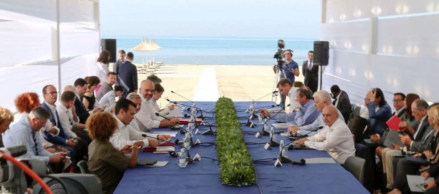 At informal Durres summit, regional leaders agree to economic union