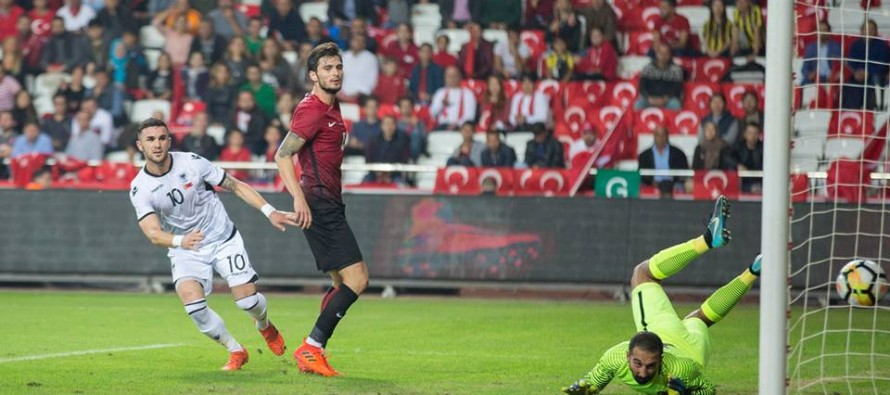 Ten-man Albania surprise Turkey with 3-2 away victory