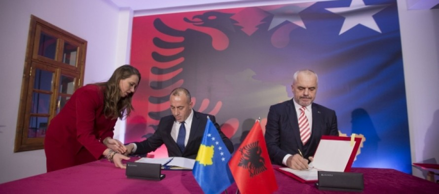 Albania and Kosovo sign bilateral economic and political agreements