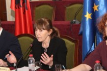 Gov't, opposition jointly urge EU to open membership talks
