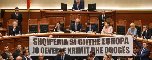 Gov't and opposition clash over Xhafaj affair, DP plans large protest rally