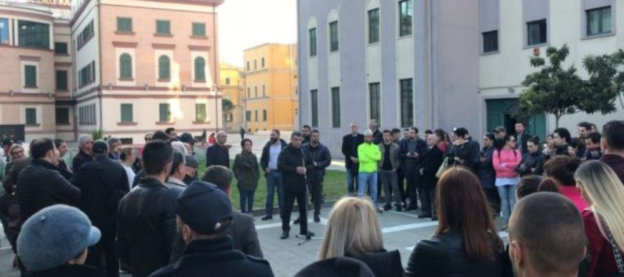 Albanian artists hold daily protests to protect National Theatre from demolition