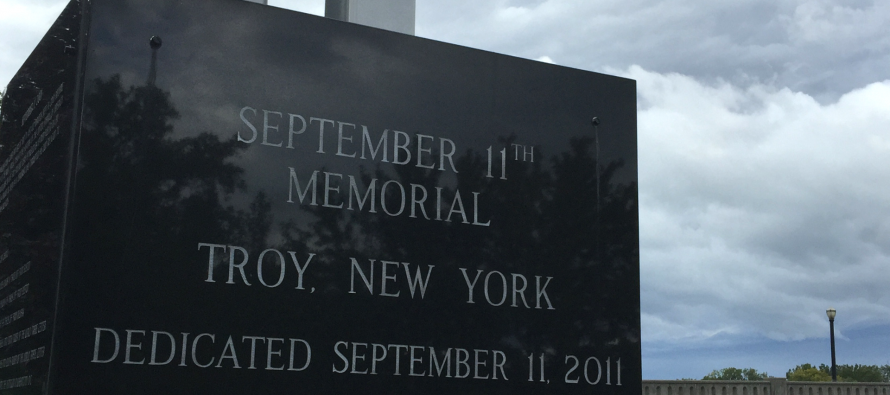 9/11 memorials pay tribute to victims' sacrifice [video]