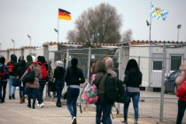 Germany promises to reward migrants who willingly go home