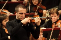 France-based violin virtuoso performs in Tirana