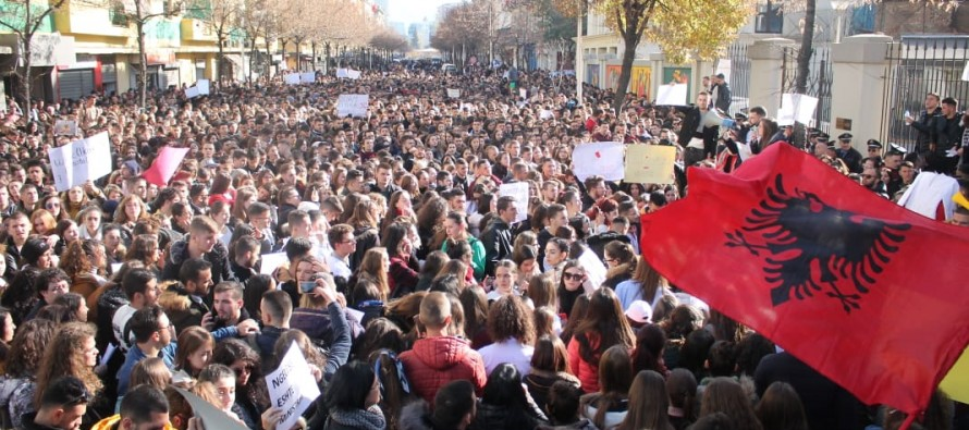 University students protest tariff hikes, low education standards in Albania