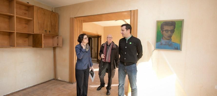 Kadare's communist-era Tirana apartment to turn into house museum