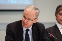 Head of EU Enlargement urges Albania to continues reforming and fighting corruption
