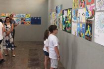 Children exhibit paintings at the National History Museum