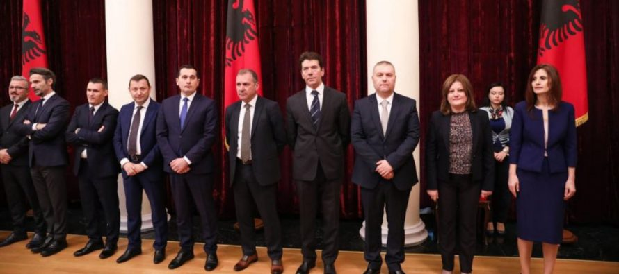 Special anti-corruption unit established as judges take oath in front of President