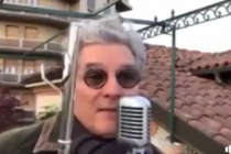 Italian man plays Albanian national anthem on the flute