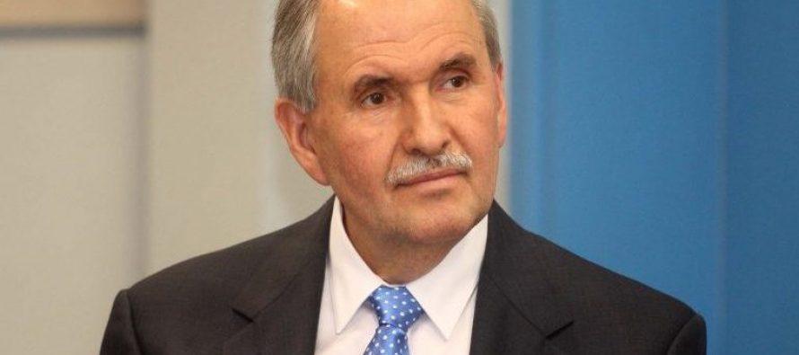 Albanian-American journalist Elez Biberaj appointed acting director of VOA
