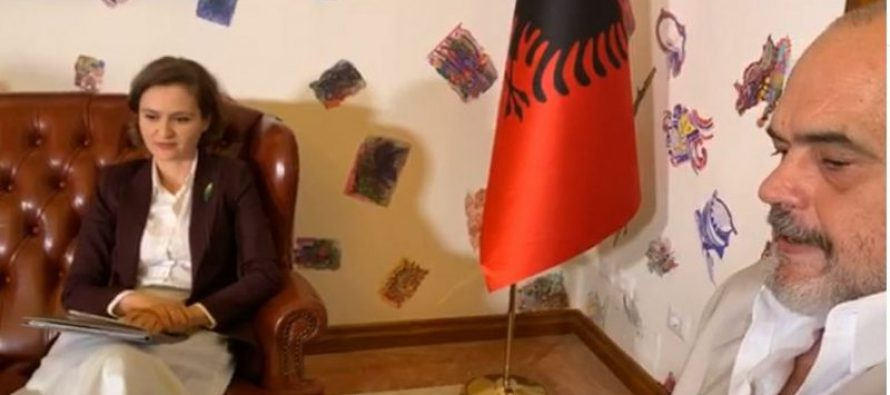 PM Rama replaces Minister of Education on first day of school