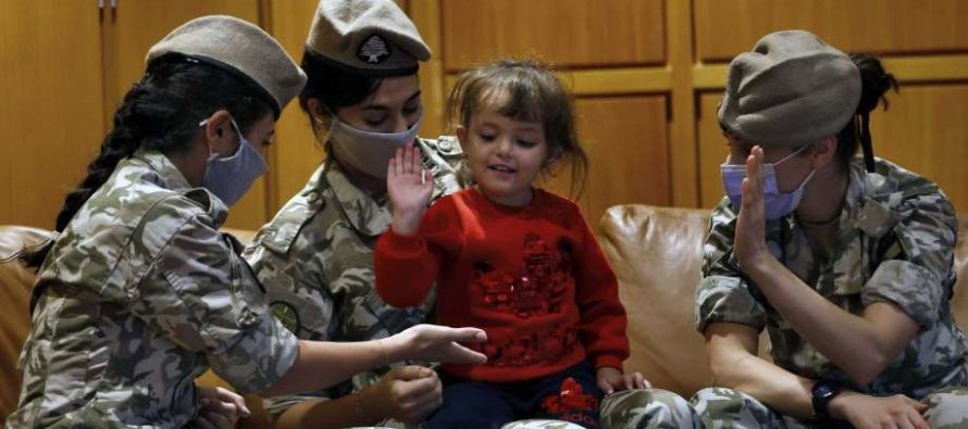 4 children and 1 wounded woman return home from Al-Hawl camp